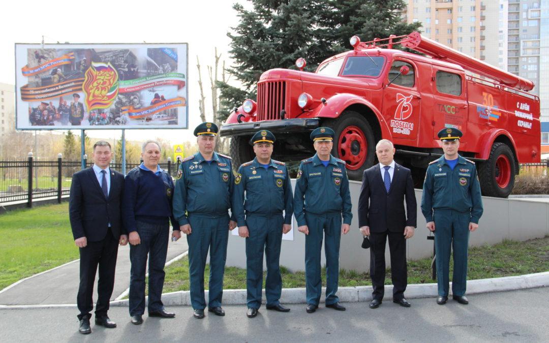 Дань памяти погибшим пожарным у обновлённого мемориала