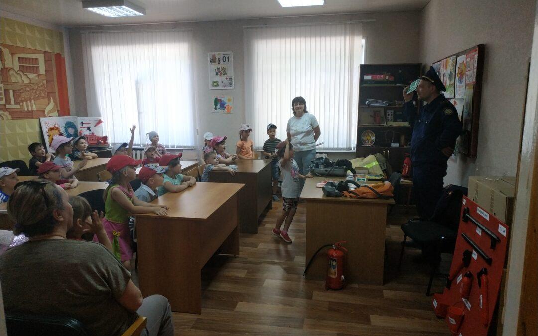 Экскурсия для детей из детского сада в Бугульминское отделение ВДПО